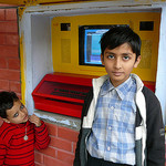 Street children learn from Indias innovative hole-in-the-wall project