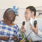 Journalist interviewing Nobel Prize Laureate,Wangari Maathai
