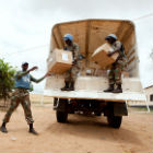 Medical supply drop off, Albert González Farran - UNAMID