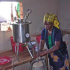 rural_entrepreneur_mozambique_MThompson